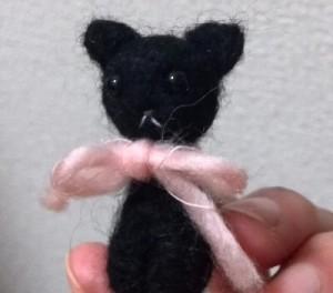 羊毛フェルトの黒猫