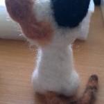 羊毛フェルト三毛猫 後ろ姿