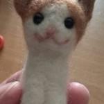 羊毛フェルトで茶ブチ柄猫のマスコットを作成しました