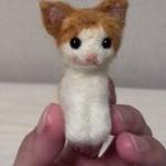 羊毛フェルトの茶ぶち猫さんを里子に出します