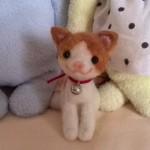 20140721 羊毛フェルト おすわり茶ぶち猫