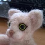 羊毛フェルト猫 アイラインを入れる 目尻