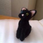 またまた羊毛フェルトで黒猫を作りました (20150514)