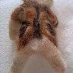 羊毛フェルトで実家の猫を作ります  しっぽ作成、背中の縞模様をつけ完成!