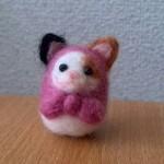 羊毛フェルトでネコリョーシカ(三毛猫)を作りました