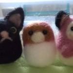 羊毛フェルトで黒猫のマスコットを作成・・・完成しました