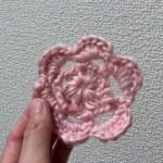 ピンクのお花モチーフを編みました