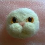 羊毛フェルトでペルシャ猫のブローチを作る